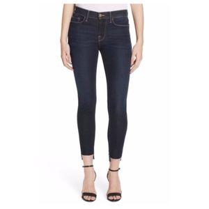 Frame NWT Le Skinny de Jeanne Raw Step Hem Jeans